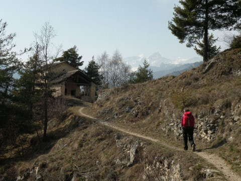 independent walking holiday piedmont walker hamlets of maira valley